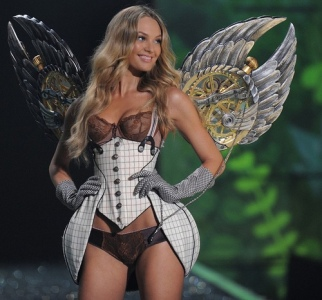 Victoria's Secret model Candice Swanepoel during the 2009 Victoria's Secret Fashion Show