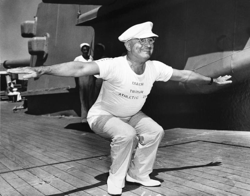 http://www.historybyzim.com/2013/03/truman-exercises-on-the-uss-missouri-1947/