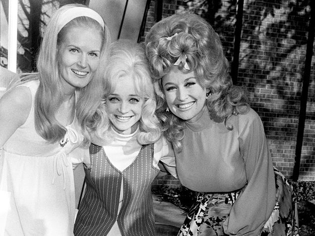 Lynn Anderson, Barbara Mandrell, and Dolly Parton