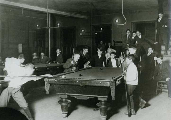St Louis pool hall 1910