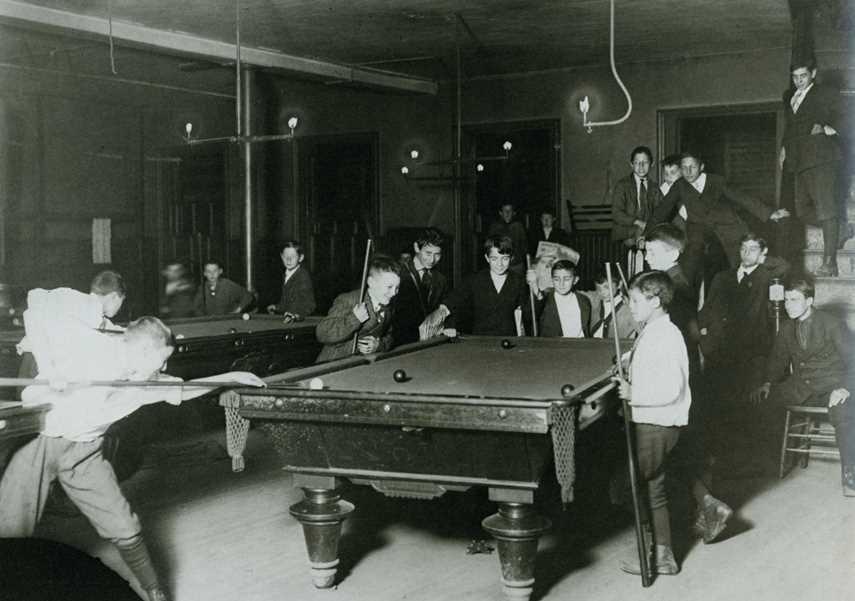 St Louis pool hall 1910