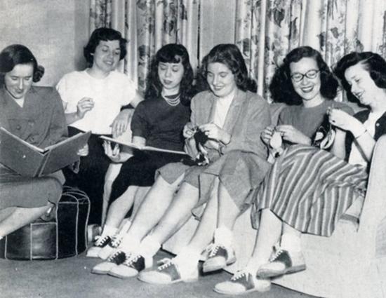 Recensio 1949 Zeta Tau Alpha